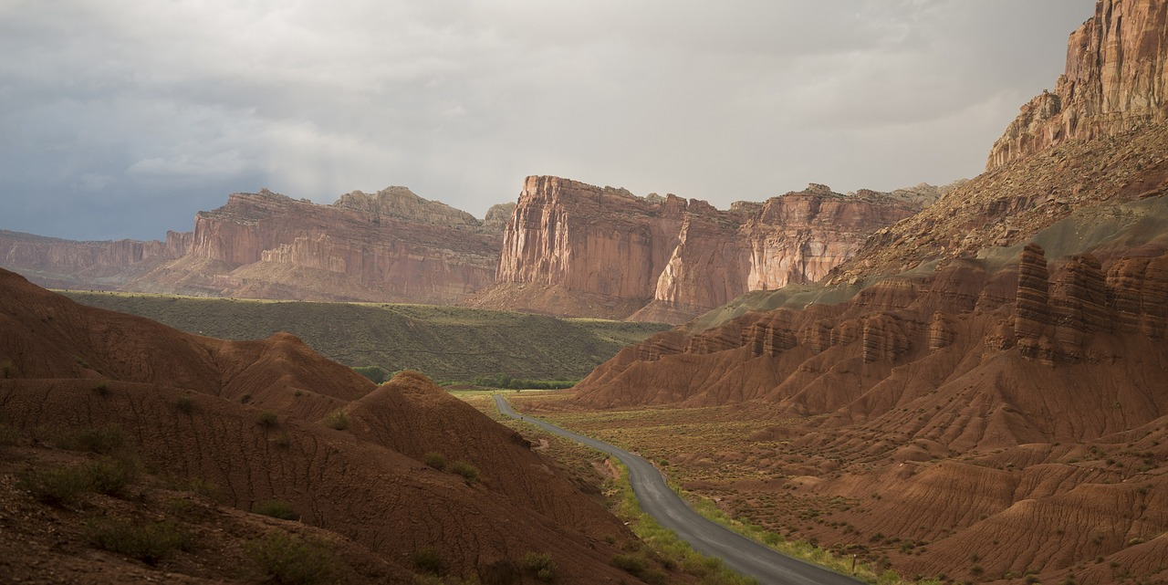 capitol reef hiking